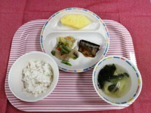 今日の給食 : 野菜炒め(本園)
