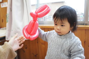 風船遊び(石崎)