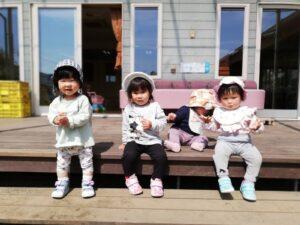☆園庭で遊んだよ!~ちゅうりっぷ組の一日~☆(岡本)