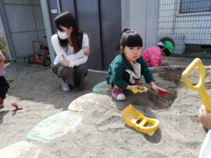 ☆「園庭遊び」☆ (岩上)