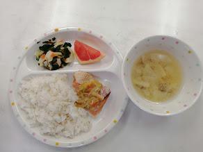 今日の給食:鮭のちゃんちゃん焼き(わかば)
