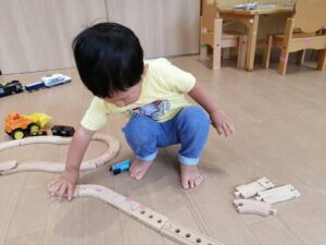 電車に線路☆第二園庭(鈴木)